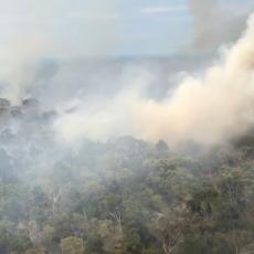 GORI NAJVEĆE PEŠČANO OSTRVO NA PLANETI: Vatrogasci neće stići do vaših kuća