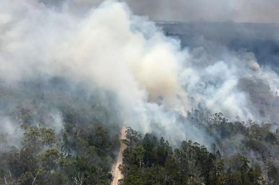 GORI NAJVEĆE PEŠČANO OSTRVO NA SVETU: Vatrogasci već nedeljama ne mogu da obuzdaju vatrenu stihiju, a evo šta je izazvalo požar