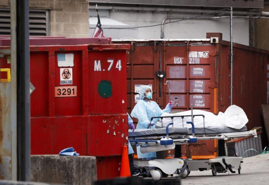 GRAD U KOME SE OD KORONE UMIRE NA 3 MINUTA: U Njujorku su i kamioni mrtvačnice, koristi se i čuveni Medison skver garden