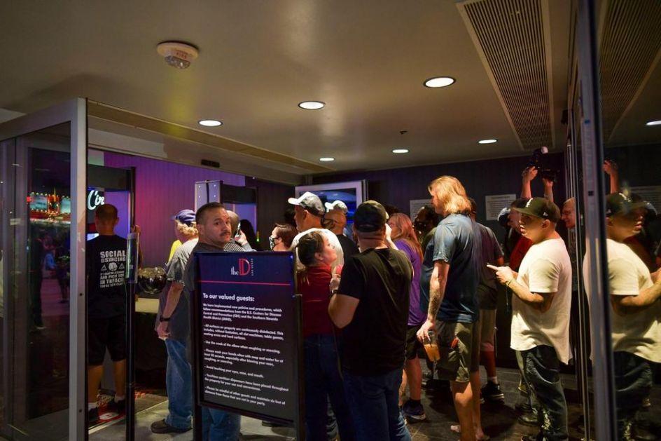 GRAD ZABAVE SE VRATIO U IGRU: Kazina i restorani u Las Vegasu ponovo su otvoreni, mali broj gostiju poštuje mere