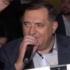 GRMI BANJALUKA: Dodik zapevao OVE PESME i sve oduševio! Ovako se slavi POBEDA! (VIDEO)