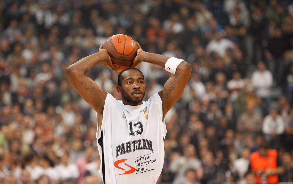 GROBARIMA SE ŽELJA NEĆE ISPUNITI: Navijači Partizana su se nadali OVOM košarkašu, ali je on otišao u Francusku
