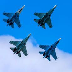 GROMOVIT ODGOVOR NA PRETNJE NATO-A: Rusi podižu 50 lovaca, avijacija će protutnjati nebom iznad Crnog mora