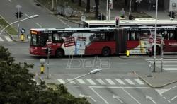 GSP: Vozač na liniji 18 nije primetio da su dete zakačila zadnja vrata autobusa, počela istraga