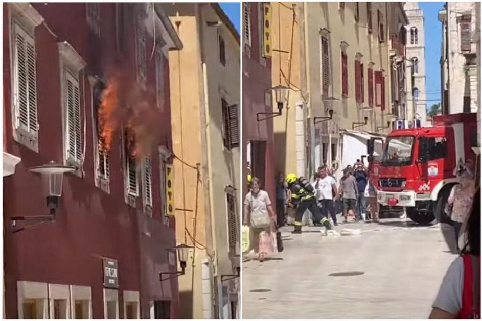 GUST DIM KULJA IZ STAMBENE ZGRADE Požar u Zadru, vatrogasci evakuišu stanare VIDEO