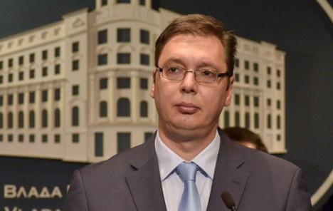 Glavni odbor SNS jednoglasno za Vučića