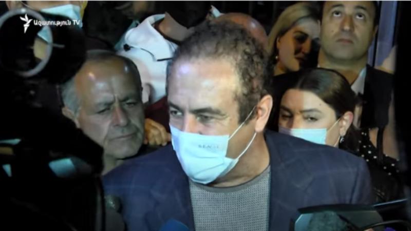Glavni vođa oporbe u Armeniji pušten na slobodu uz jamčevinu