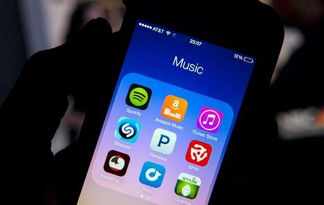 Glazbena industrija 80% prihoda crpi od servisa za streamanje