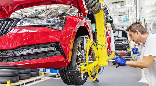 Globalna prodaja automobila u padu drugu godinu zaredom