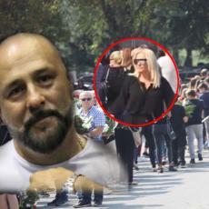 Goca Tržan došla na Gruovu sahranu: Svi su gledali šta je to nosila u rukama - za njega! TUŽNO!