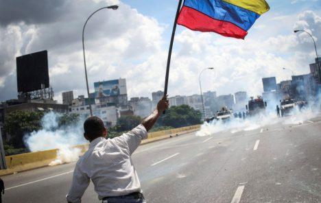 Godišnja inflacija u Venezueli gotovo 2,3 milijuna posto