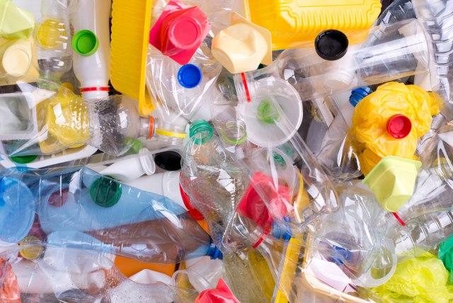Godišnje u sebe unesemo 250 grama plastike