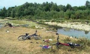 ZLOČIN BEZ KAZNE: Iz automatske puške pucali su na dečake koji su se kupali u reci!