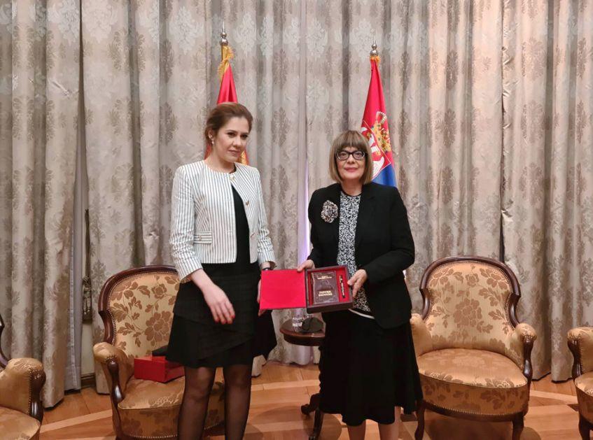 Gojković i Bratić o jačanju kulturne saradnje Srbije i Crne Gore