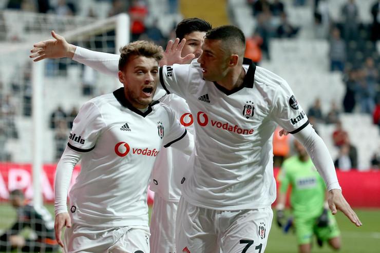 Goleada u Turskoj za kraj sezone Ljajić sa dvije asistencije odveo Bešiktaš u Ligu Evrope