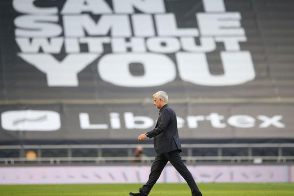 Gotovo, londonski derbi u Liga kupu, potez navijača Totenhema će oduševiti sve!