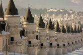 Grad duhova ispunjen dvorcima iz bajki tiho čeka bolje vreme