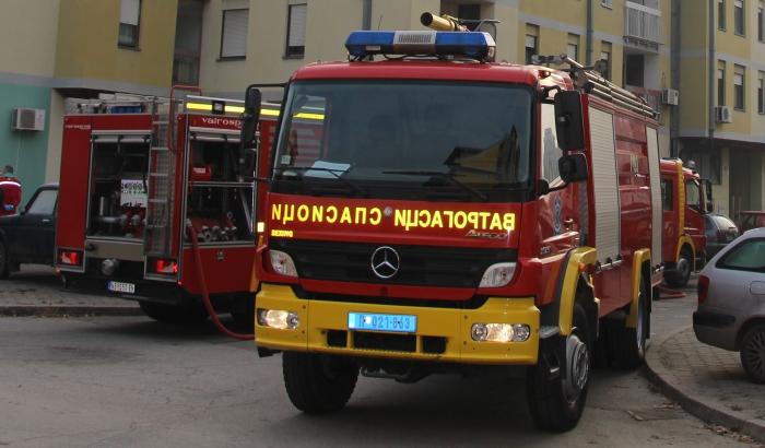 Grad kupuje kamion novosadskim vatrogascima