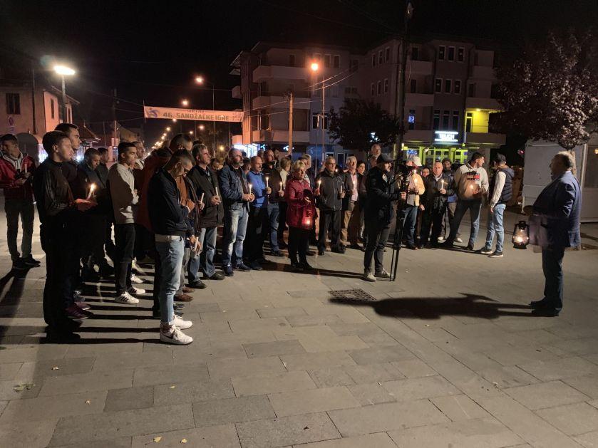 Građani Sjenice performansom iskazali nezadovoljstvo javnom rasvjetom