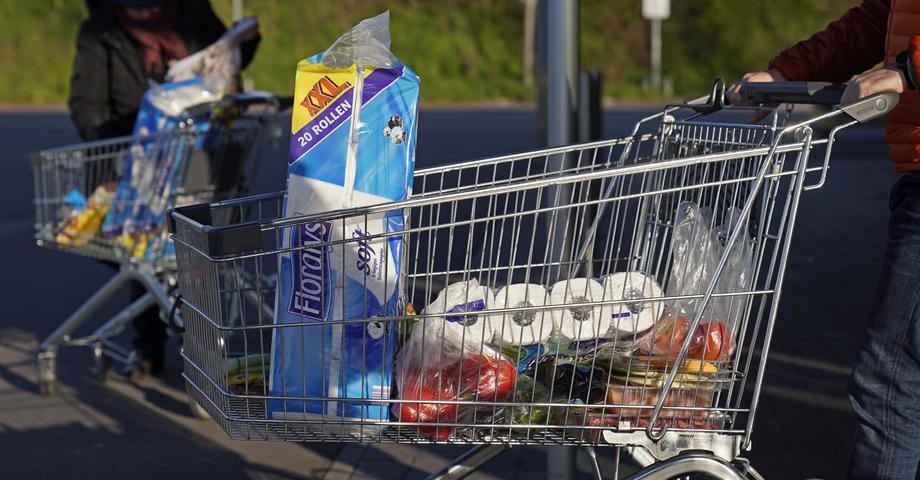 Građani Srbije kupovali u junu 11,3 posto više nego lani