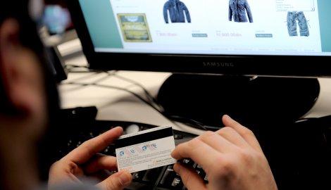 Građani Srbije preko interneta pazarili čak 3,5 milona puta