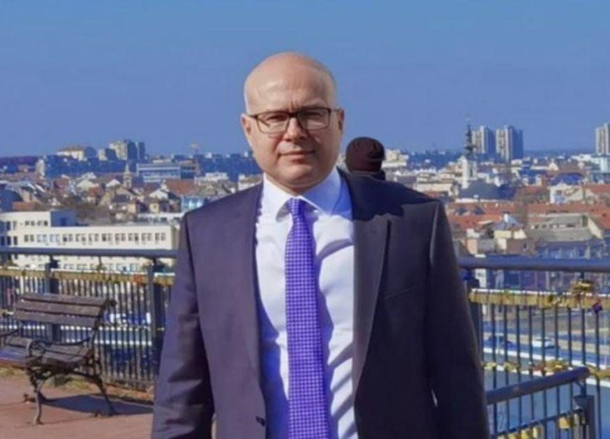 Gradonačelnik Miloš Vučević česttao 8.mart damama