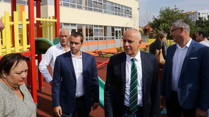 """Gradonačelnik Radojičić otvorio novi vrtić """"Lazar"""" u Altini"""