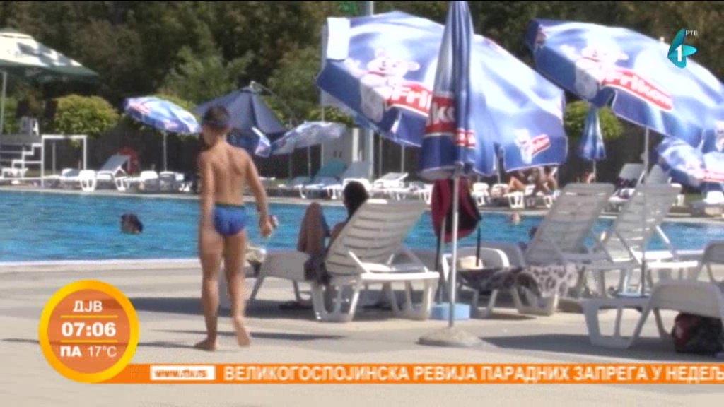 Gradski bazen u Rumi beleži rekordnu posećenost