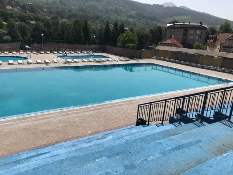 Gradski bazeni u Priboju počeli sa radom