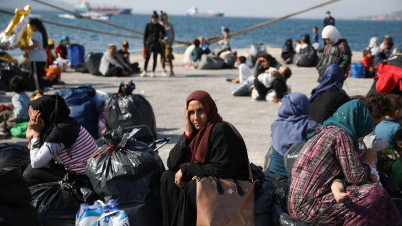 Grčka nastavlja prebacivanje migranata sa ostrva na kontinentalni deo