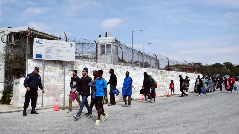 Grčka policija pritvorila 38 migranata, dva osumnjičena trgovca ljudima