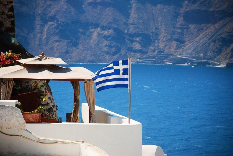 Grčka spremna da snosi troškove turista ako su zaraženi, i dalje na snazi zabrana puštanja muzike i upotreba barova