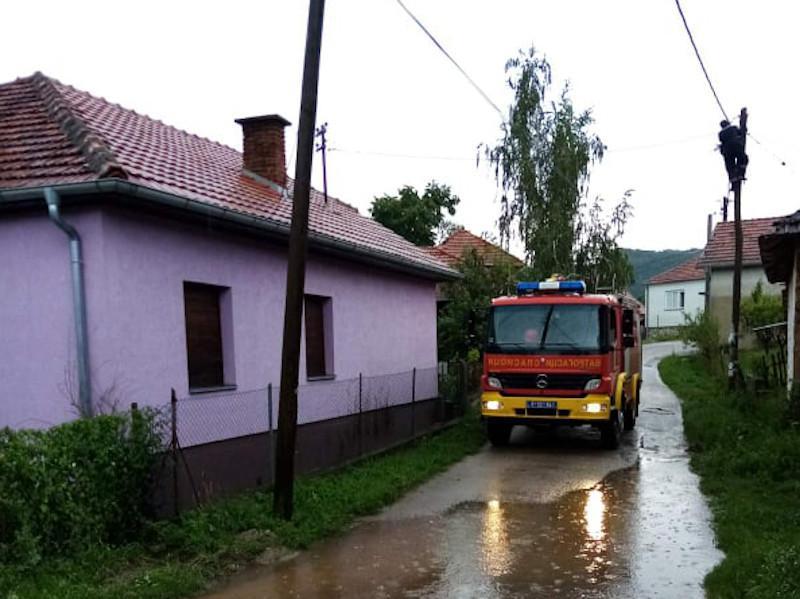 Grom udario u kuću u selu kod Svrljiga, povređenih nema