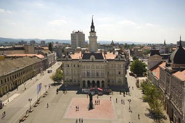 """Grupe građana i udruženja pozvale gradonačelnika da obezbedi """"fer"""" i regularne izbore"""