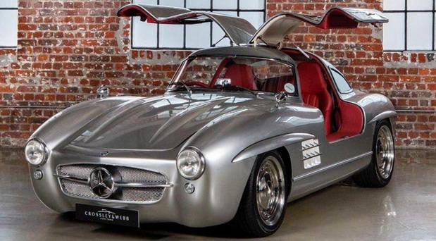 Gullwing Tribute je replika Mercedesa 300 SL Gullwing