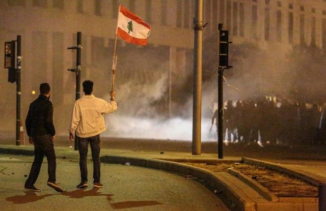 Gumeni meci i suzavac: Kulminacija nereda u Bejrutu VIDEO