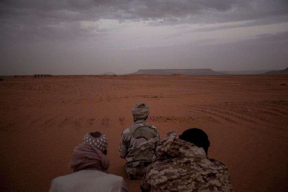 HAFTAR ZATVORIO GRANICU LIBIJE SA ALŽIROM: Oko 1.000 km pustinjskog graničnog pojasa proglasili vojnom zonom! Zabranjeno kretanje!