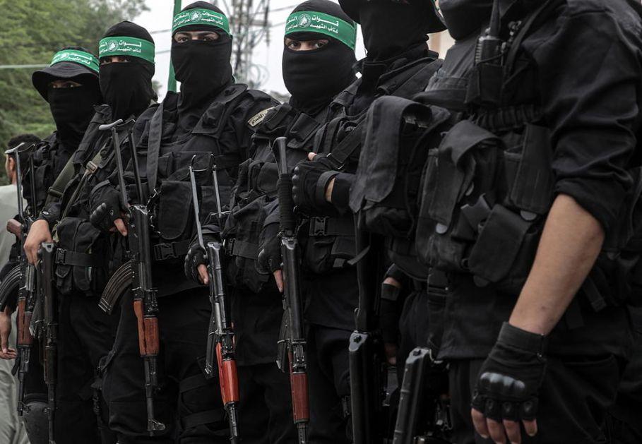 HAMAS MOŽDA ISPALJUJE RAKETE, ALI EVO KO IH NAORUŽAVA ZA NAPAD NA IZRAEL Jedna država pomaže da razviju svoje ubojito oružje VIDEO