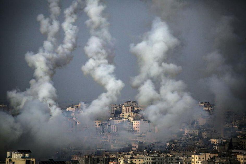 HAMAS TVRDI DA JE ISPALIO VIŠE OD 100 RAKETA I PRETI NOVIM NAPADIMA Izrael odgovara: Nastavićemo da bombardujemo Gazu!