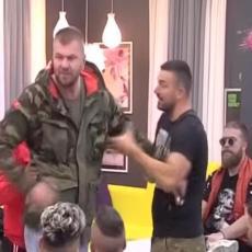 HAOS! Janjuš BESAN URLAO na NJU! Izgubio kontrolu! NOSI SE, BRE, U P*ČKU MATERINU, BOLESNICE!(VIDEO)