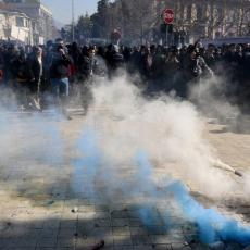 HAOS U ALBANIJI: Opozicija blokirala puteve, vlast odgovorila suzavcem i vodenim topovima