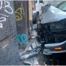 HAOS U CENTRU BEOGRADA: Vozio više od 100 kilometara na sat, zakucao se u zid, pa pobegao sa lica mesta (FOTO)