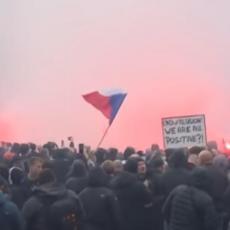 HAOS U ČEŠKOJ ZBOG KORONA MERA: Vodenim topovima na demonstrante, ima povređenih (VIDEO)