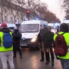 HAOS U FRANCUSKOJ! U Dižonu Žuti prsluci napali zatvor i zahtevali da puste njihove drugove (VIDEO)