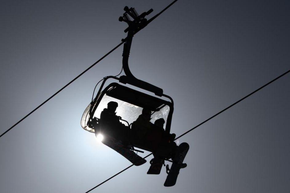 HEROJSTVO TURKINJE U SLOVENIJI: Mlada skijašica spasla život dečaku držeći ga 15 minuta da ne padne sa velike visine