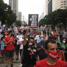 HILJADE BRAZILACA IZAŠLO NA ULICE: Veliki protest zbog lošeg odgovora predsednika Bolsonara na pandemiju (FOTO)