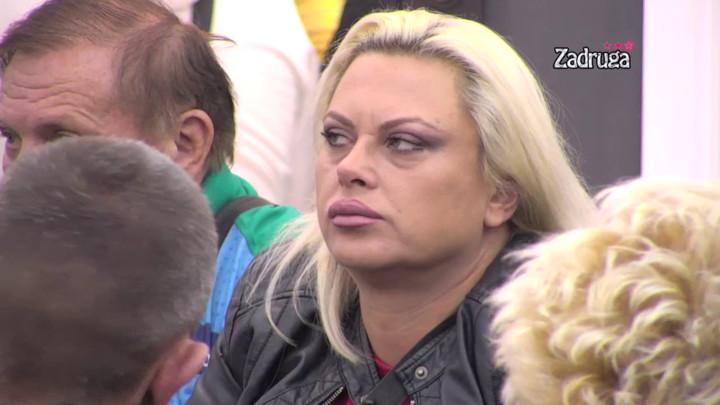 HOĆU DA IMAM SVOJ ŽIVOT! Marija Kulić poručila Zoli i Miljani da je više ne zanimaju, evo šta im je sve sasula u facu! (VIDEO)