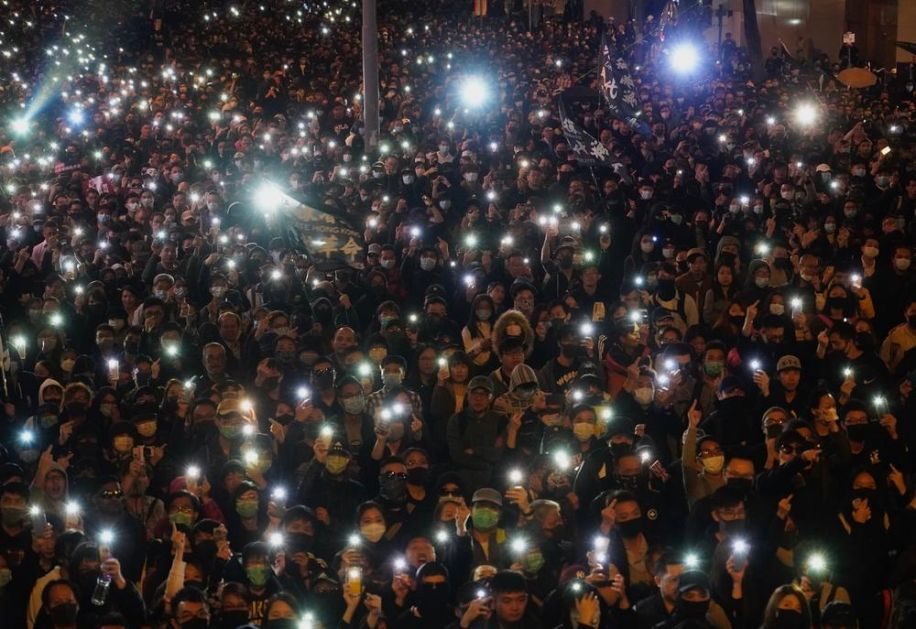 HONGKONG SE PRIPREMA ZA PRAZNIKE: Otkazan novogodišnji vatromet zbog bezbednosti!