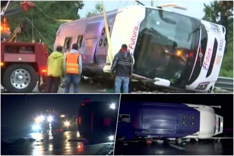 HOROR NA MEKSIČKOM AUTO-PUTU: 13 poginulih u prevtanju autobusa nedaleko od Meksiko sitija (VIDEO)