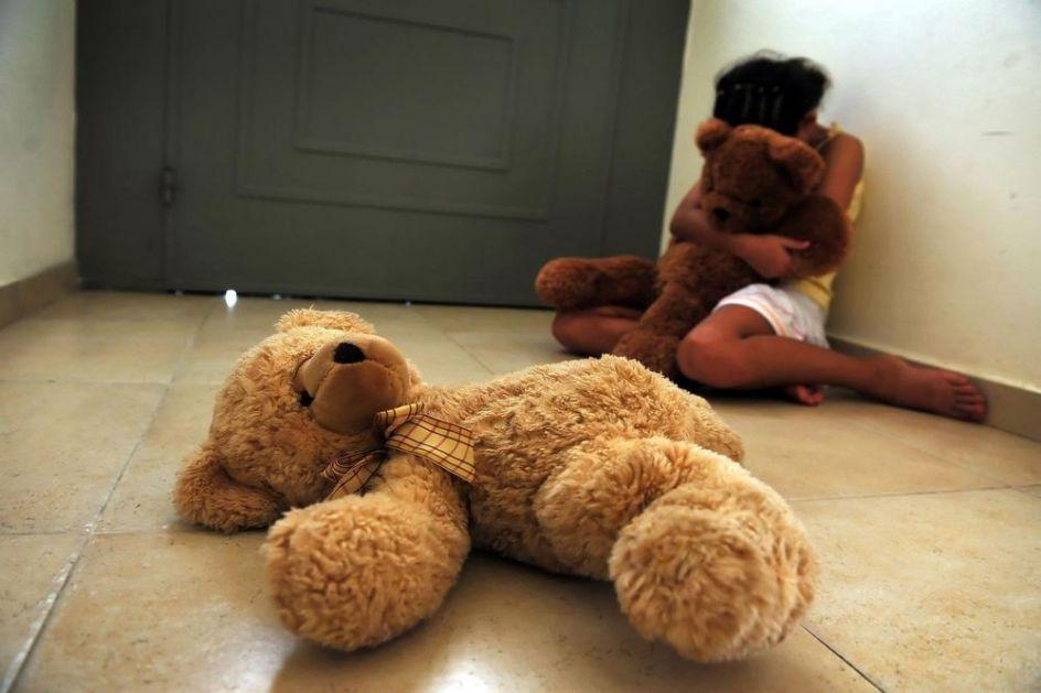 HOROR U HRVATSKOJ: Seksualno napastvovao devojčicu (14) sa posebnim potrebama! Prijavila ga njena učiteljica!